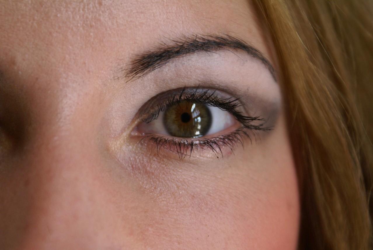 Czy makijaż permanentny zmienia się wraz z upływem czasu?