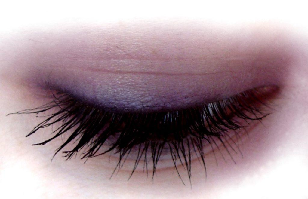 Poproś o wizualizację makijażu
